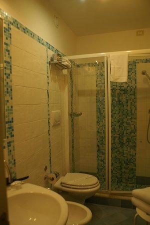Sharon House: Salle de bain