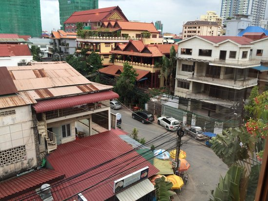 Anise Hotel: View from 3rd Floor Room