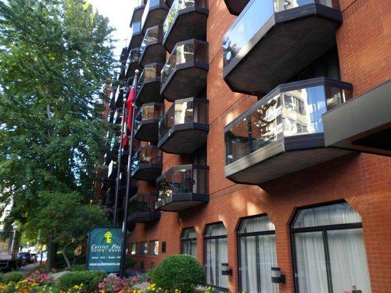 Cartier Place Suite Hotel: ..ruhig in der Seitenstraße...
