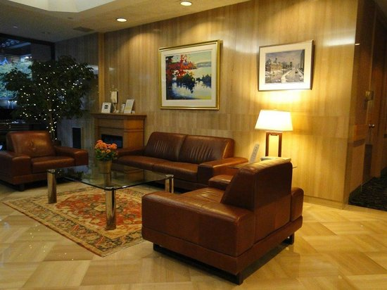 Cartier Place Suite Hotel: ...in der Lobby....