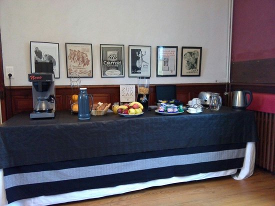 Luppe Violles, France: Petit déjeuner complet