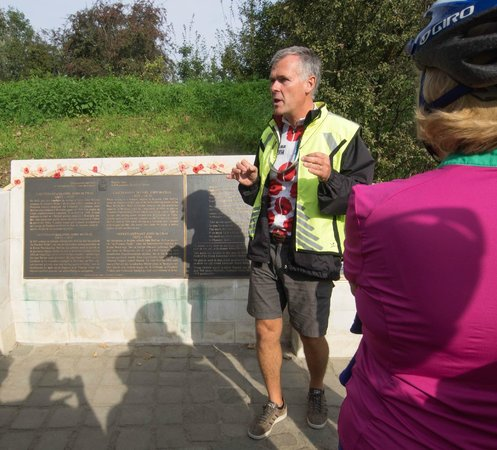 WW1 Tours: Carl explaining the background to why the poppy is the symbol of remembrance