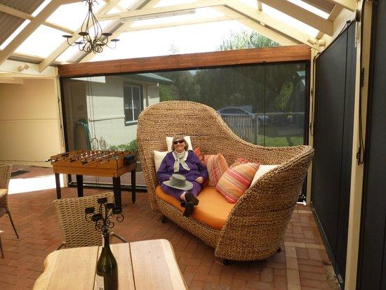 Busselton Guest House: Comfortable al fresco area