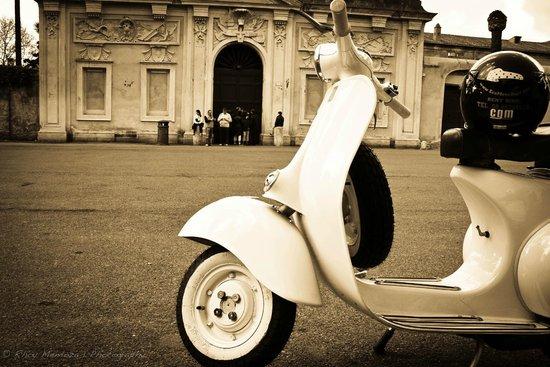 Vespa Vintage Knights Of Malta Foto Di Eco Move Rent Vespa Tours
