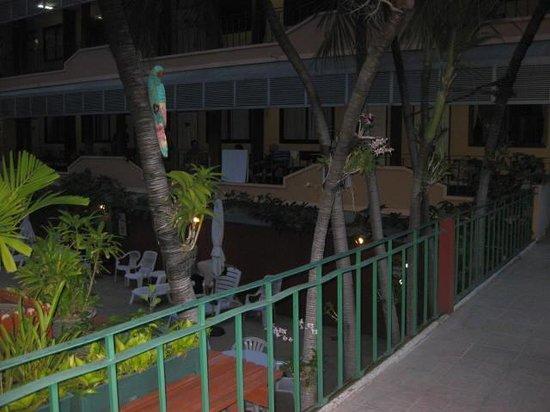 Swan Hotel Bangkok: The Balcony
