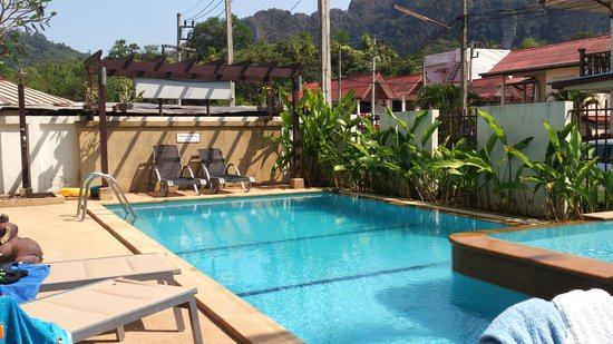 Krabi Apartment Hotel: The pool.