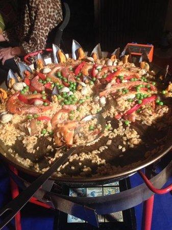 Marta's Private Paella Cooking Classes: paella