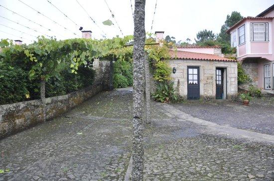 La Zona De Piscina Desde La Terraza De Una De Las Casas