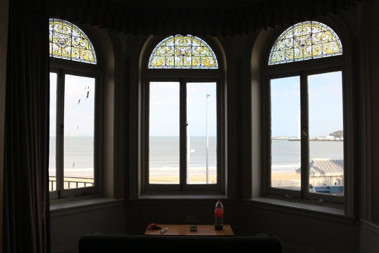 Bay Royal Weymouth Hotel : Bay windows and view