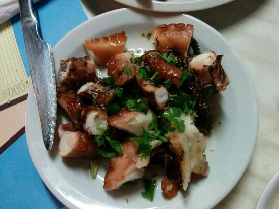 Dionyssos Fish Tavern: Dyonissos