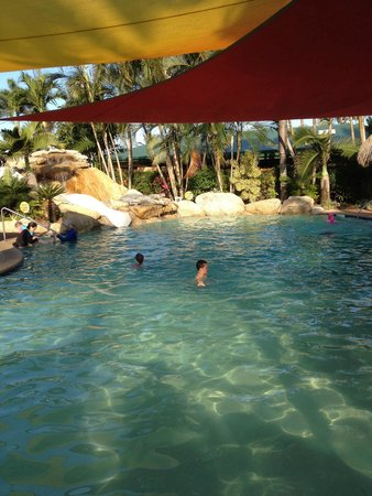 Beachcomber Coconut Holiday Park: Waterside fun at Mission Beach