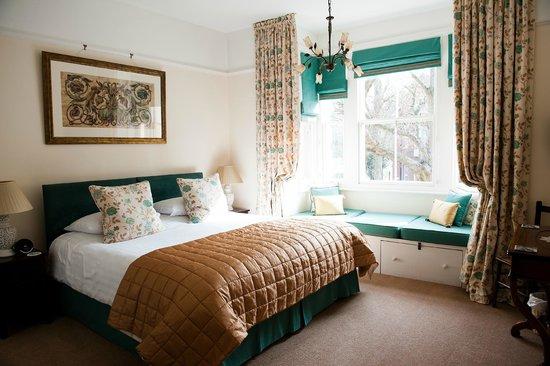 Sillett House, Hotels in Horsham