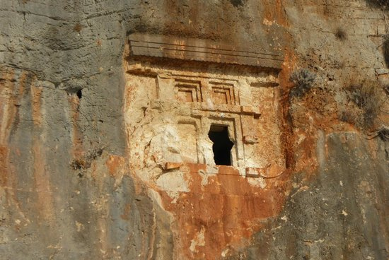 Boat Trips by Captain Ergun : Lycian Tomb