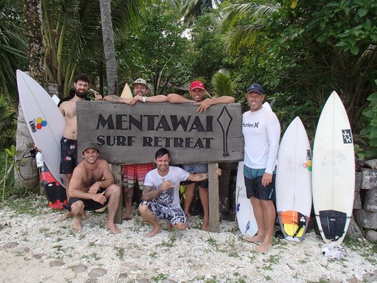 Mentawai Surf Retreat: 6 Stoked surfers