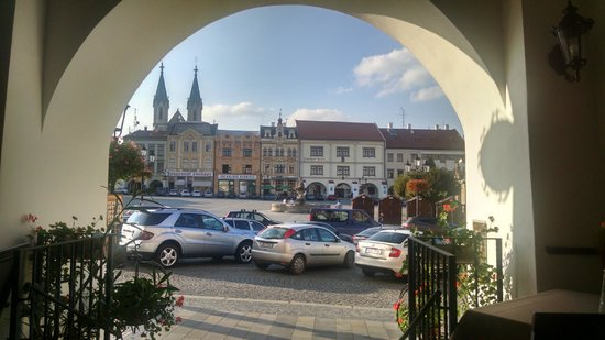 Hotel La Fresca: The view from the hotel front door. The town square.