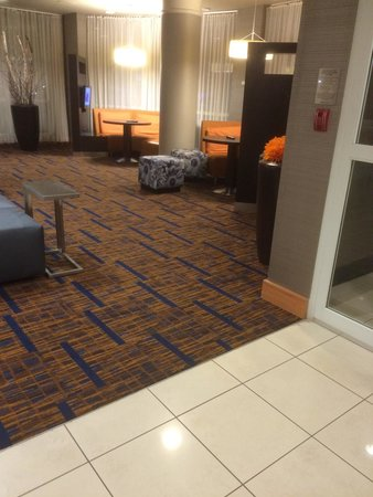 Courtyard by Marriott Toronto Mississauga/Meadowvale: Lobby