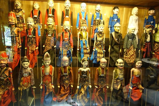 Setia Darma House of Mask and Puppets : Puppets from the world over