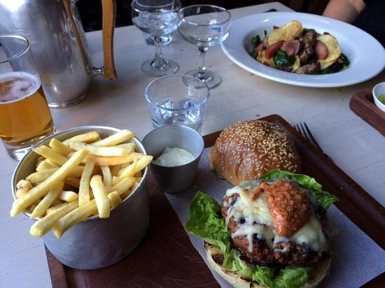The Outsider Restaurant: delicious