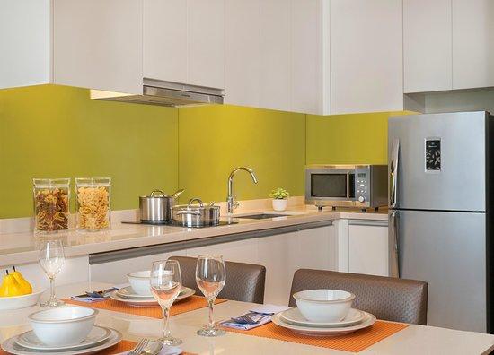 Citadines Salcedo Makati: Kitchen of one-bedroom apartment
