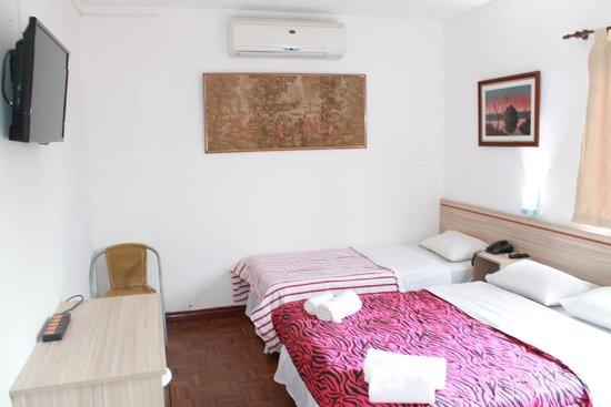 Hotel Casa Suiza: Cuarto