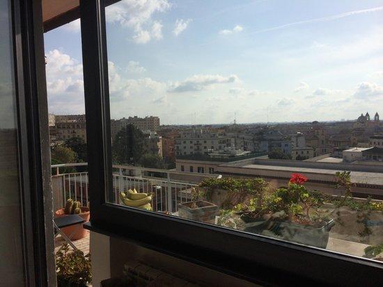 I Tetti di Roma: Balcony
