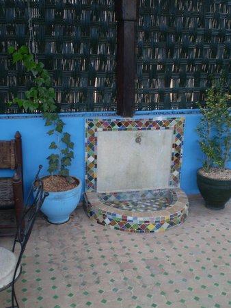 Riad ABHAR: roof terrace, riad 1