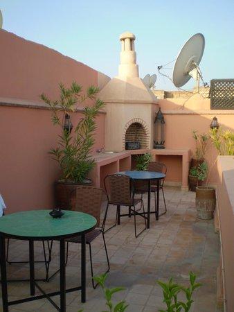 Riad ABHAR: roof terrace, riad 2