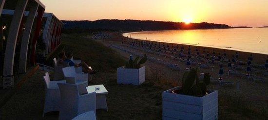 Cala Azzurra Vacanze: Un tramonto unico....