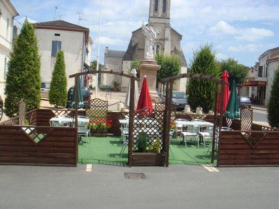 Le Bouchon: La terrasse
