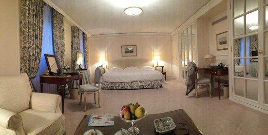 Le Bristol Paris: Room