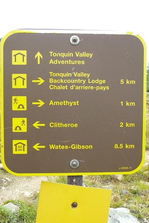 Tonquin Adventures: trail marker