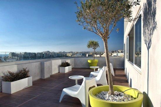 อาเจนโต้: Rooftop Terrace