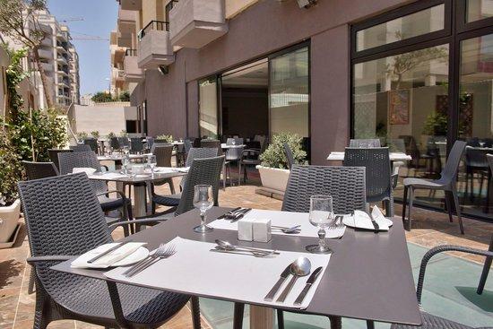 อาเจนโต้: Restaurant