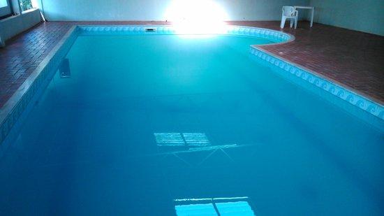 Royal Iguassu Hotel: pileta climatizada
