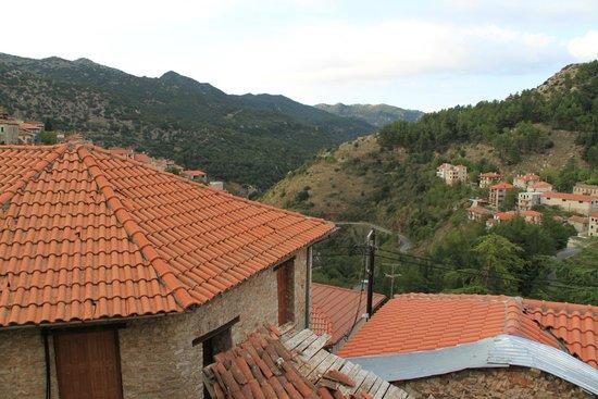 Enastron: View of Dimitsiana - Mountains