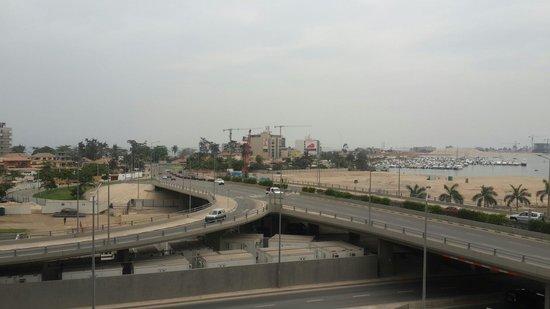 National Slavery Museum : Vista do museu para a ponte da ilha de Luanda