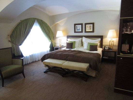 The Ring: Lovely spacious rooms