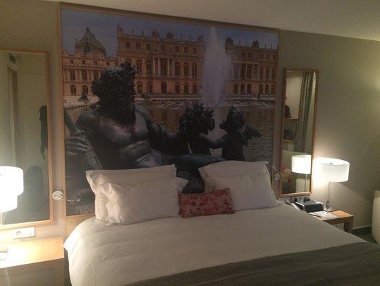 Mercure Paris Velizy Hotel: Bed View