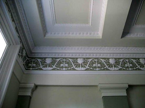 A Georgian Residence at No. 11 Moray Place: ceiling entrance
