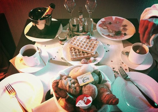Hotel Harmony: Room service ! (5€)