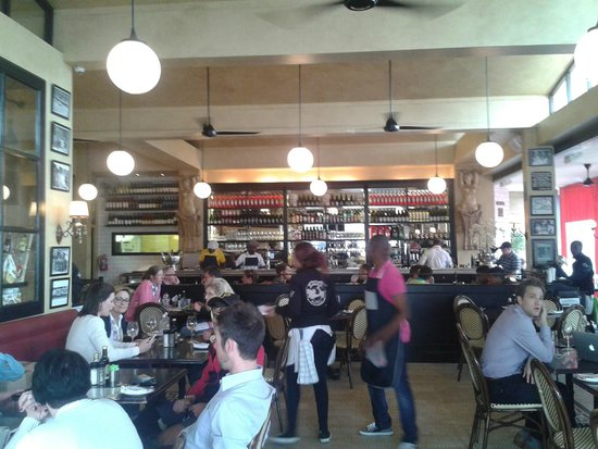 Remo's Villaggio: Great bar