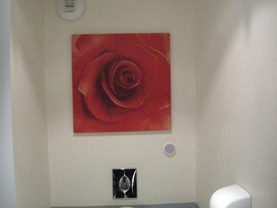 Agena Hotel : Art (WC)