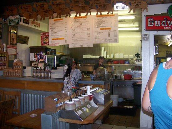 Mo's Smokehouse BBQ: ordering