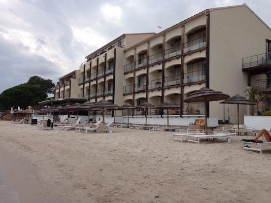 Hôtel Le Pinarello : les pieds dans l'eau