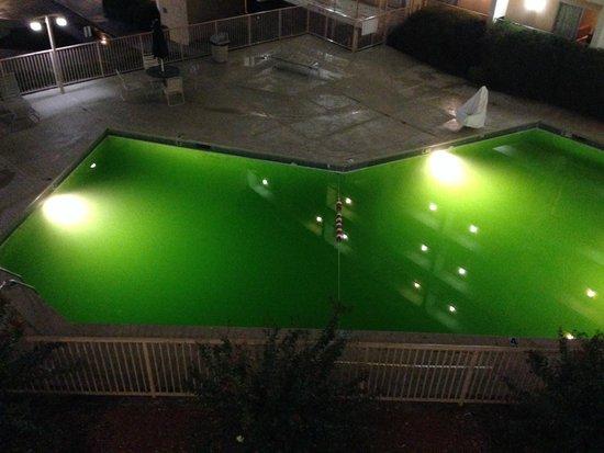 Days Inn Birmingham AL: Pool