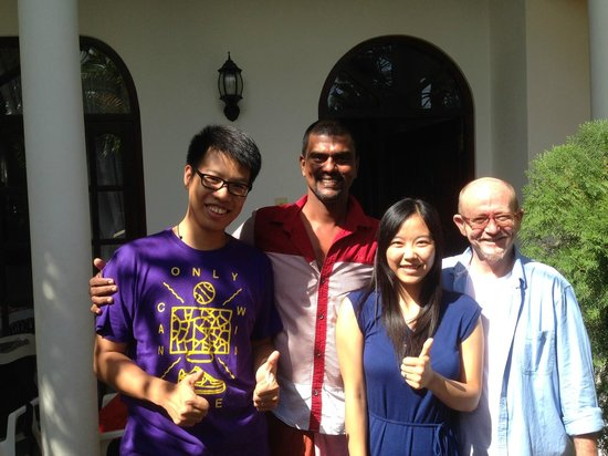 Bon Accord Guest House: me , Prasad , my wife and Keith(frome left to right)