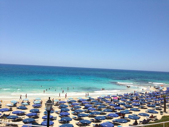 Grecian Sands Hotel: вид на море