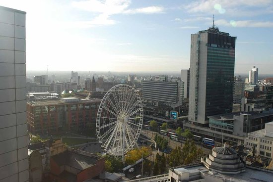 The Light ApartHotel: View over Piccadilly Gardens