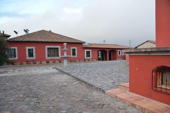 Mulalo, Ekvador: Inner courtyard