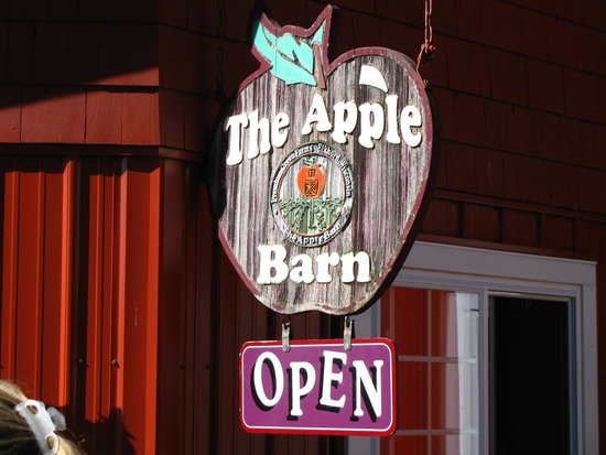 Elkhorn, WI: The Apple Barn
